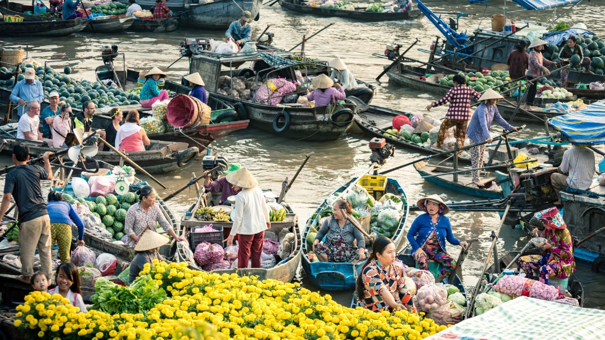 Floating-market - Xplore Vietnam